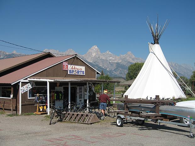Adventures-Sports-at-Dornan's-in-Moose,-Wyoming