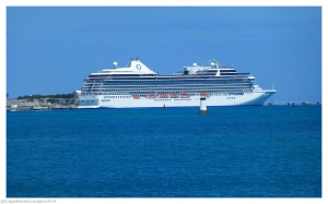 Oceania Riviera in Bermuda