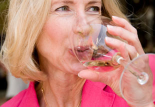limiting wine is one of the 6 Things Healthy Women Consistently Do