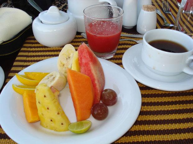 Breakfast-fruit-plate1