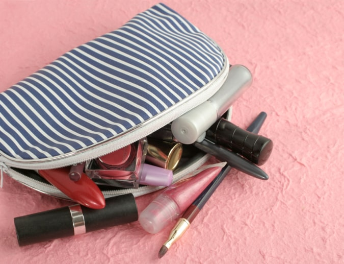 What You Need in Your Makeup Travel Bag