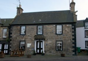 outlander series locations falkland hotel
