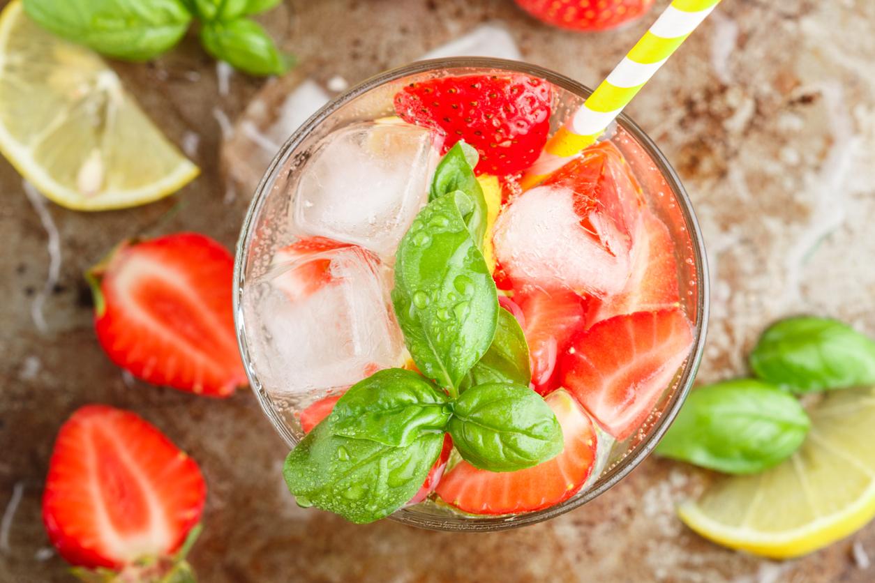 Strawberry basil bourbon whiskey cocktail recipe