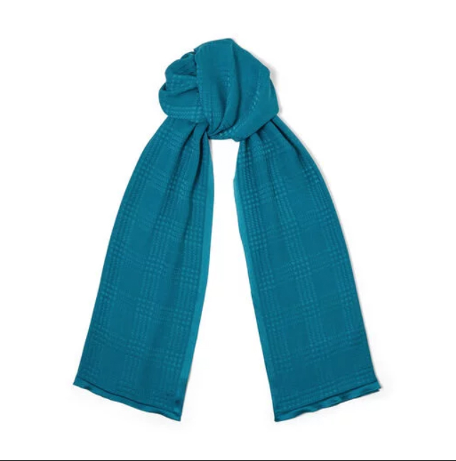 wear a scarf