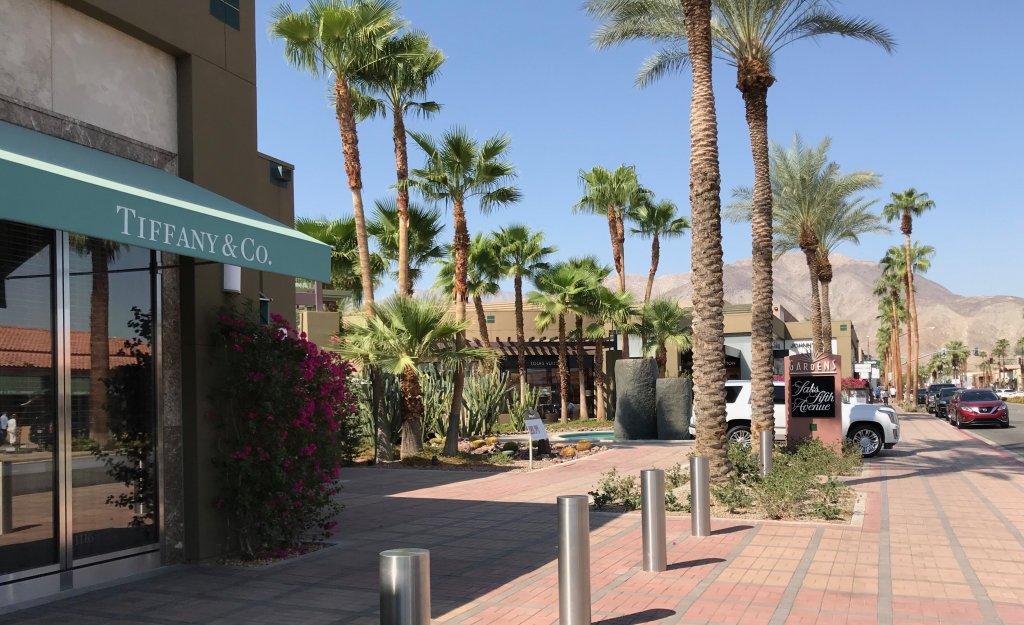Strolling El Paseo, Palm Desert