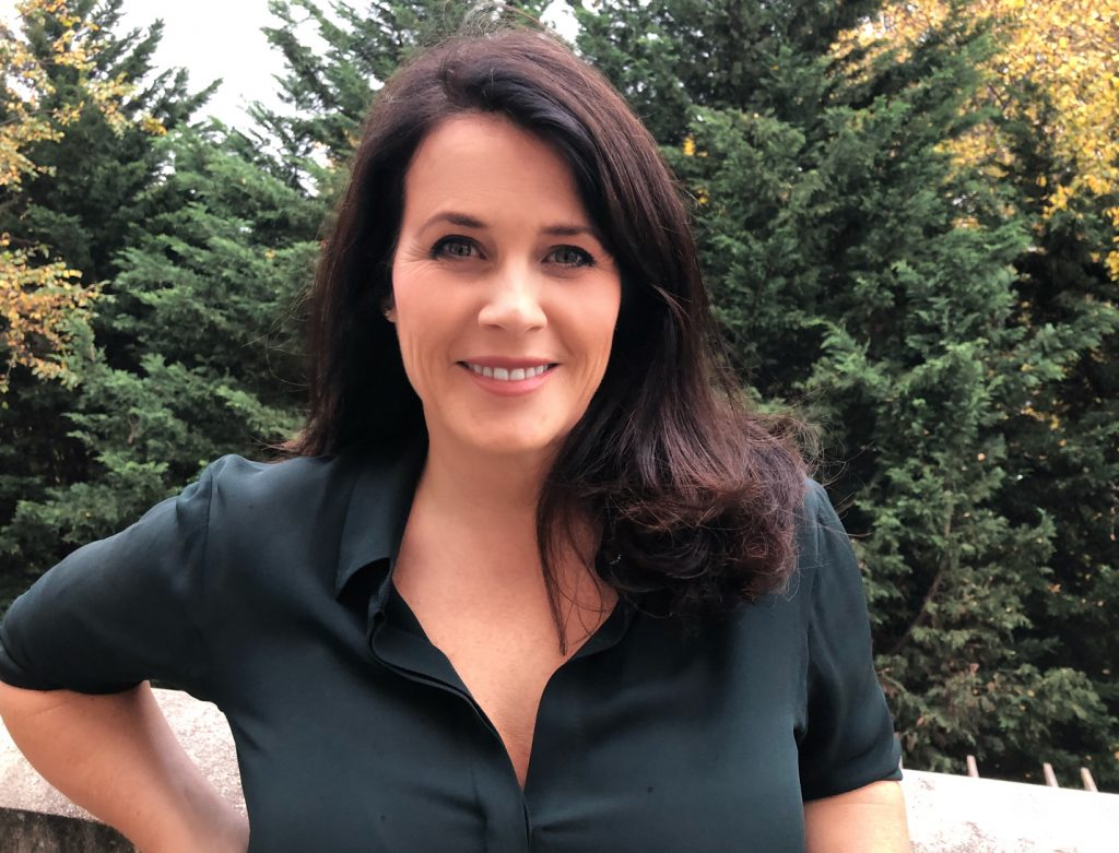 Lisa Oz Author