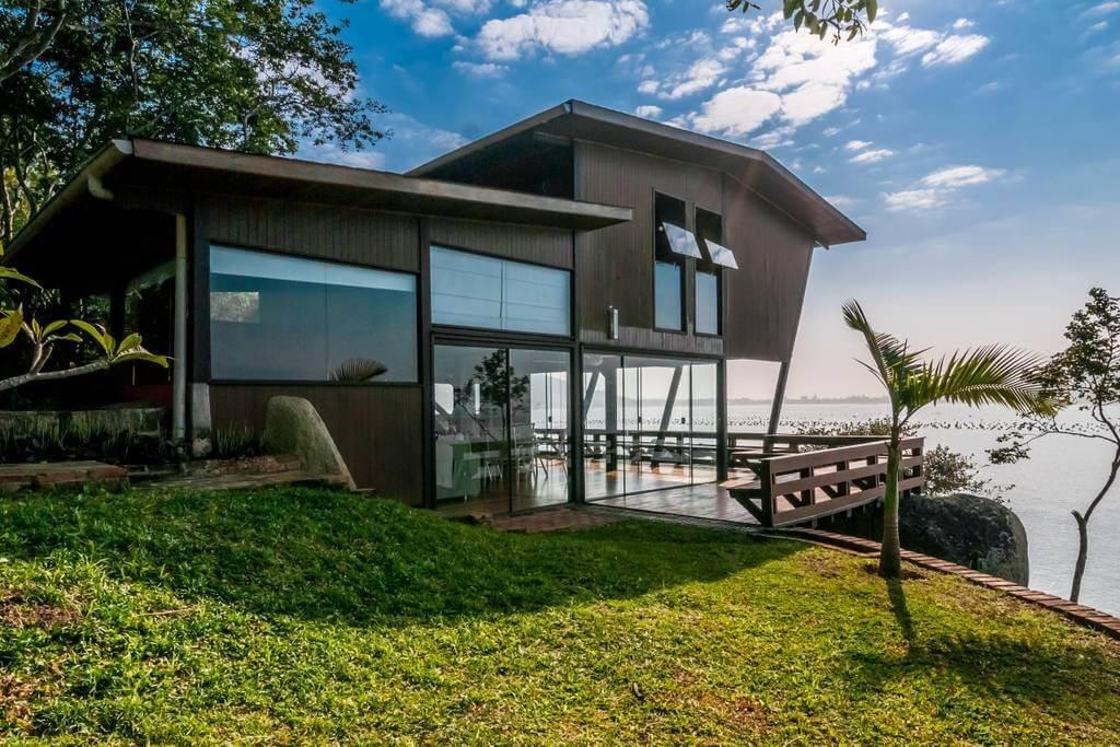 AirBnB Beachhouse