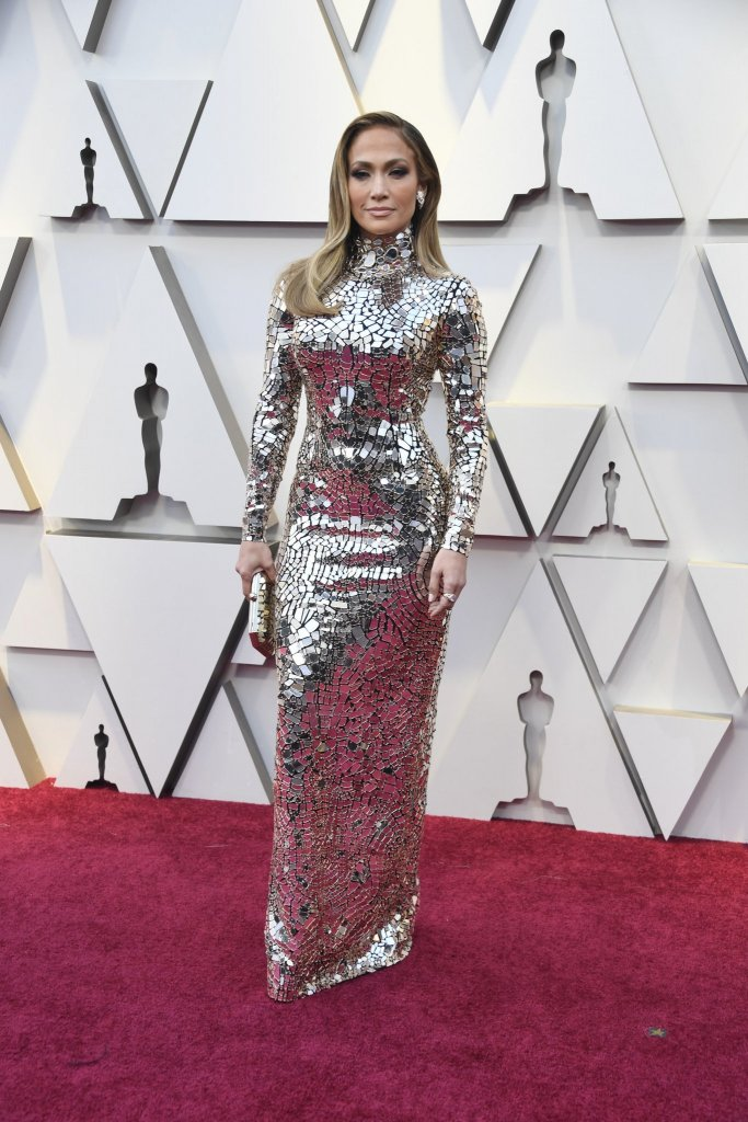 Red Carpet-Oscars- Jennifer Lopez wearing Tom Ford