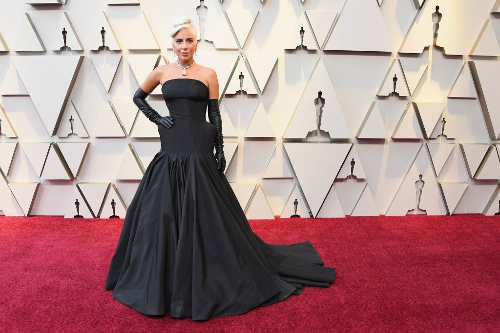 RedCarpet-Oscars-LadyGaga in Tiffany Necklace and Alexander McQueen