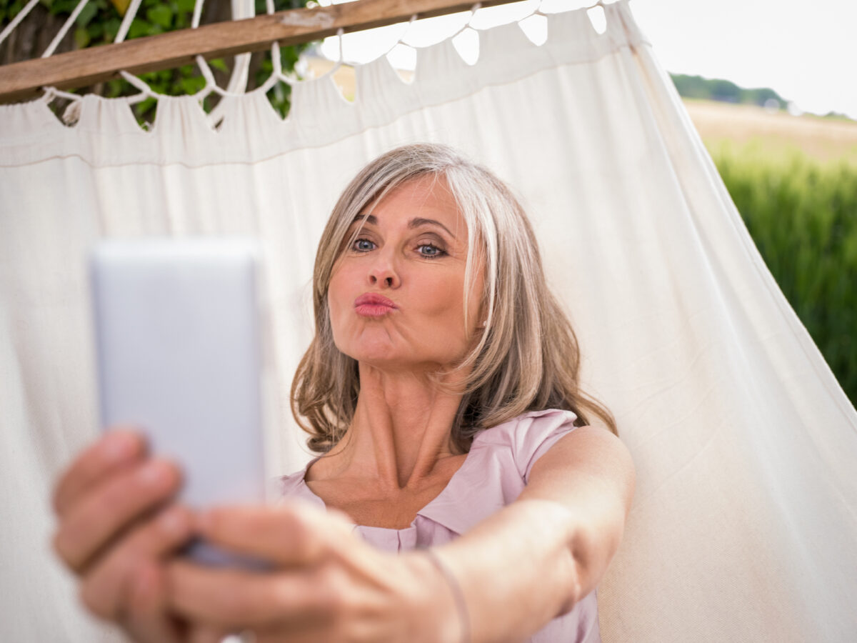 Humidity, Don't Care : Anti-Humidity Hair Care