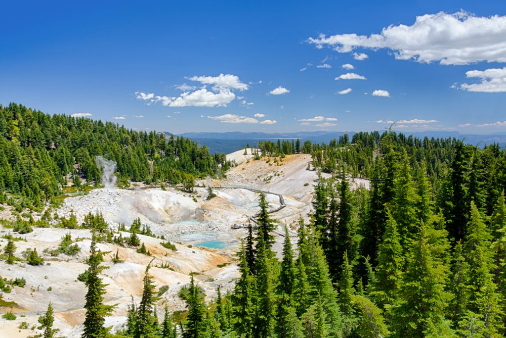 Travel America on a Budget | Photo Lassen Volcanic National Park