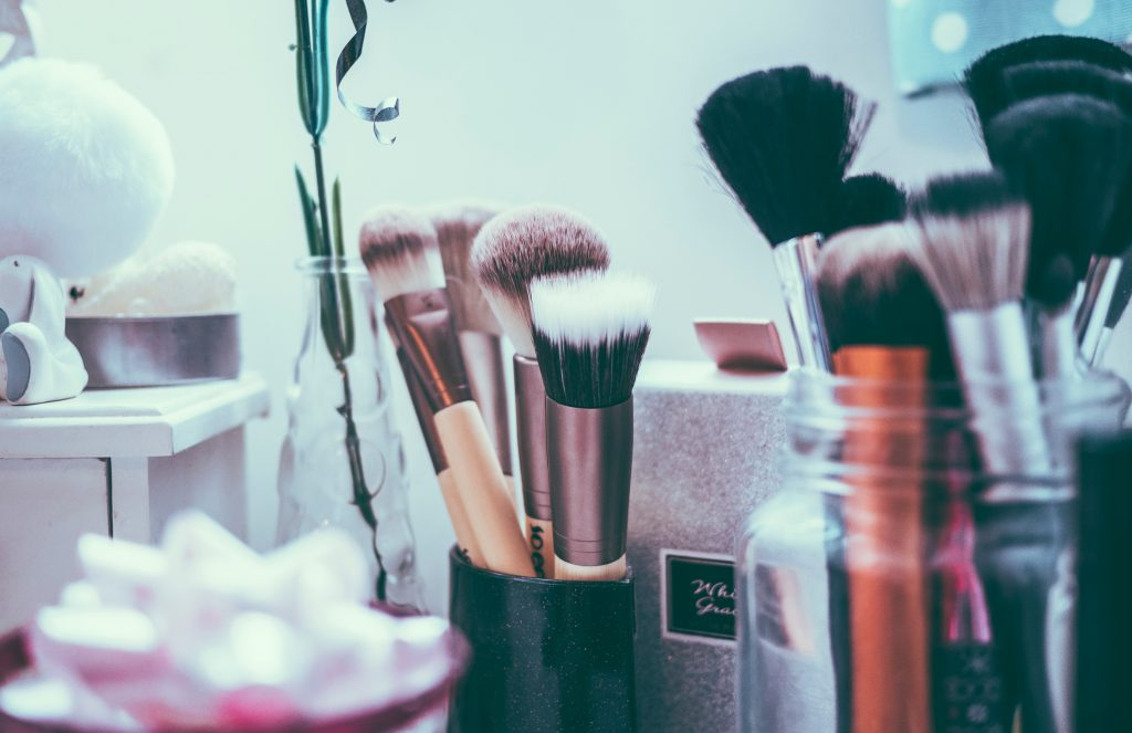 Makeup brushes need to be cleaned, even when using organic makeup