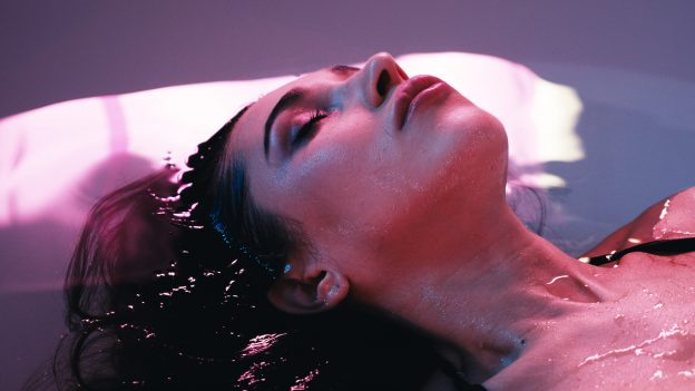 Flotation tank therapy is a good way to clear your mind.