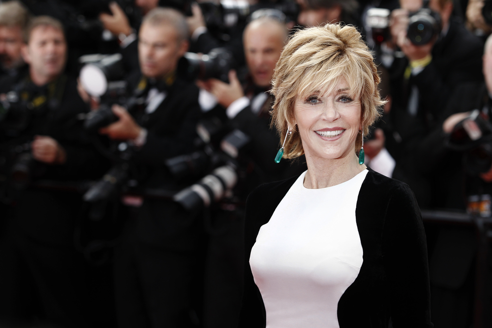 Jane Fonda short and layered haircut