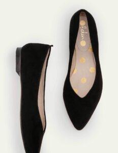 Boden Julia Pointed Flats in a summer black wardrobe