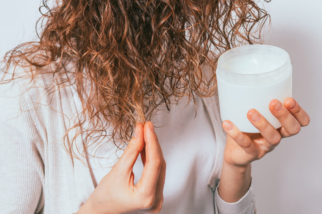 Tame your hair frizz