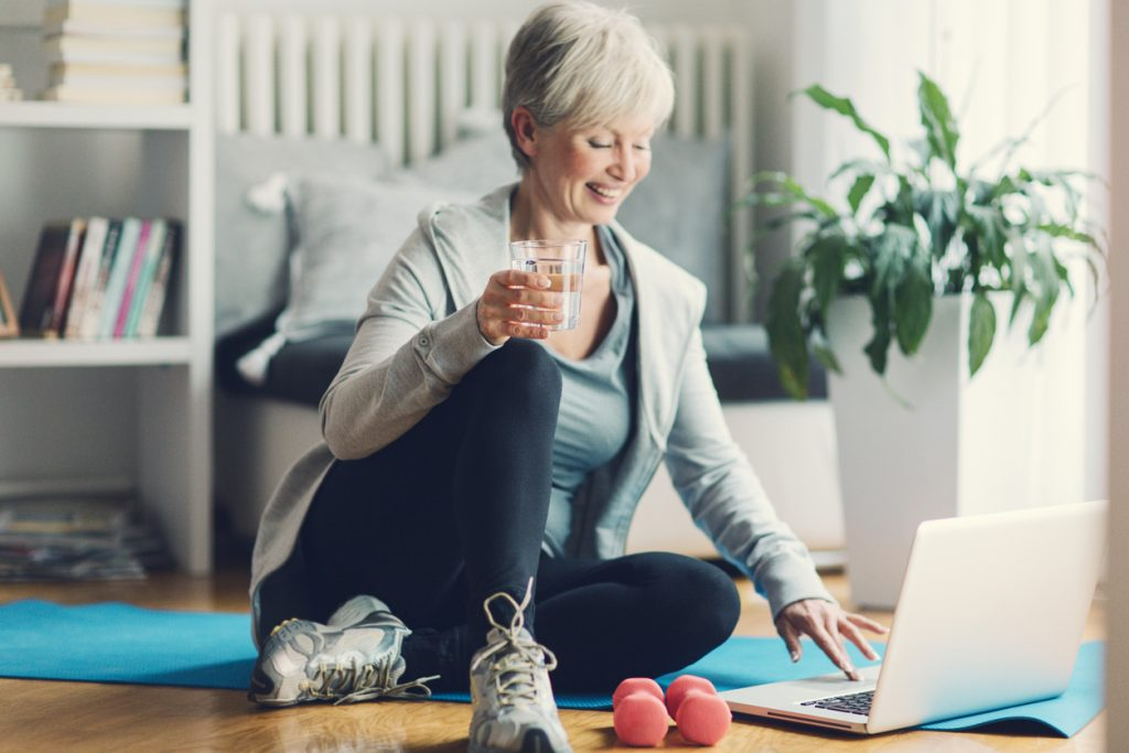 5 Tips To Help You Find A Virtual Fitness Trainer | PRIMEWomen.com