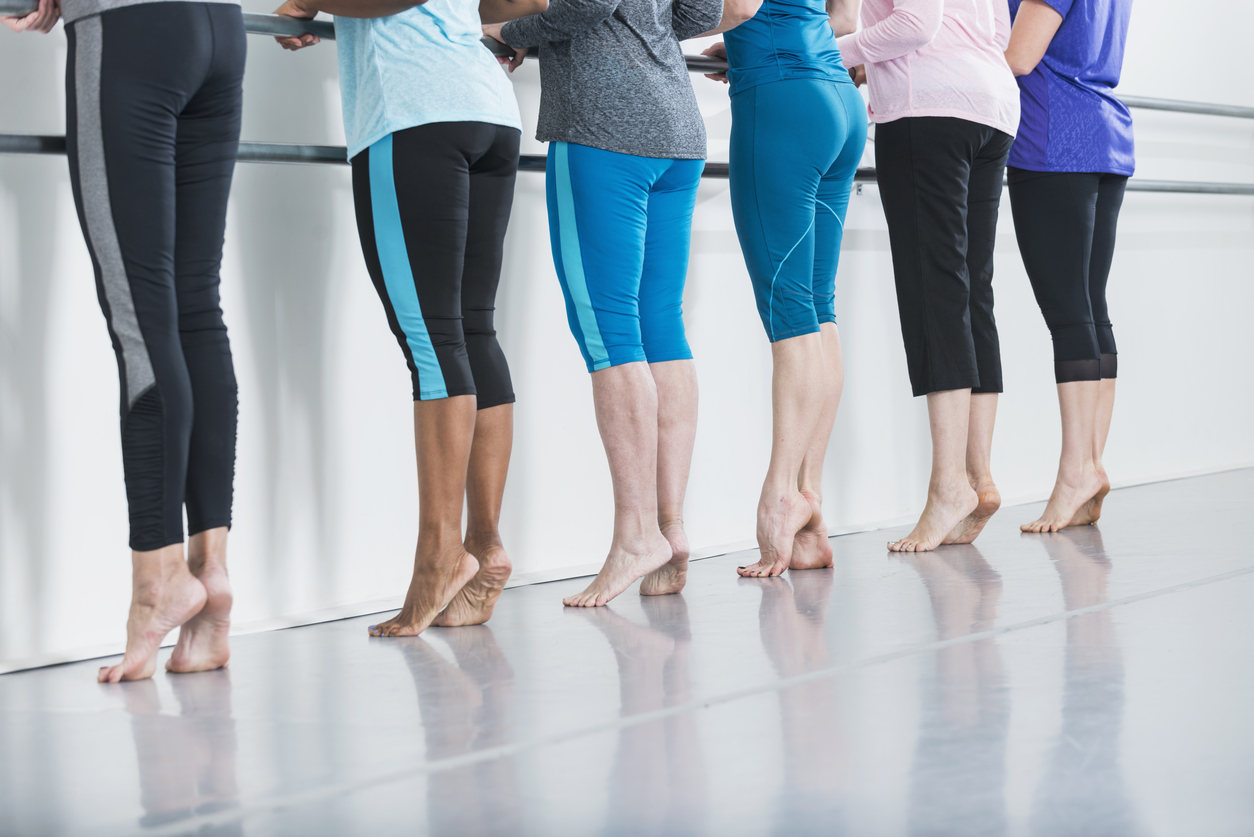 5-Minute Barre Workout: Outer Thigh Fat Burner