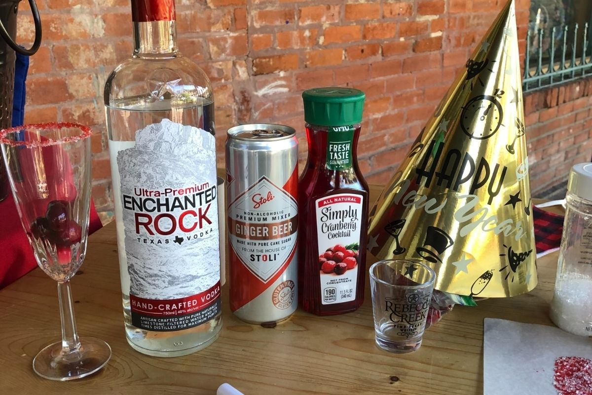 How to make a Cranberry NYE Cocktail