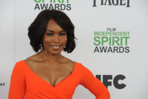 Angela Bassett bob haircut