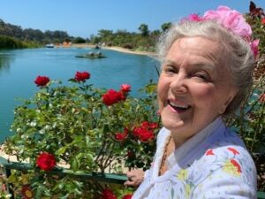 Patricia Bragg is an author and health pioneer